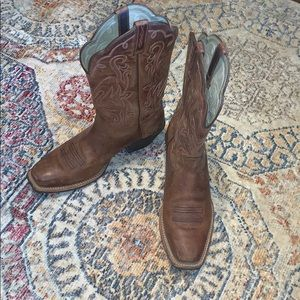 Women's Ariat western boots